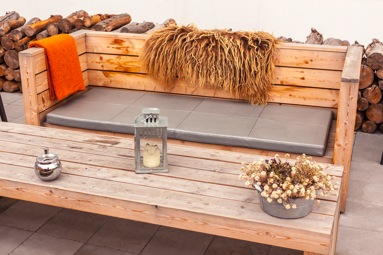 Alquiler de muebles de madera home Essentials